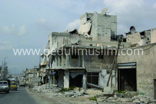Reruntuhan bangunan Aleppo